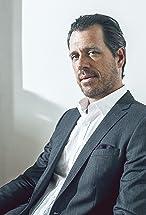Darren Pettie's primary photo