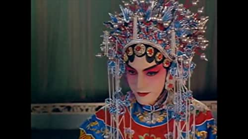 In 1960s China, French diplomat Rene Gallimard falls in love with an opera singer, Song Liling - but Song is not at all who Gallimard thinks.