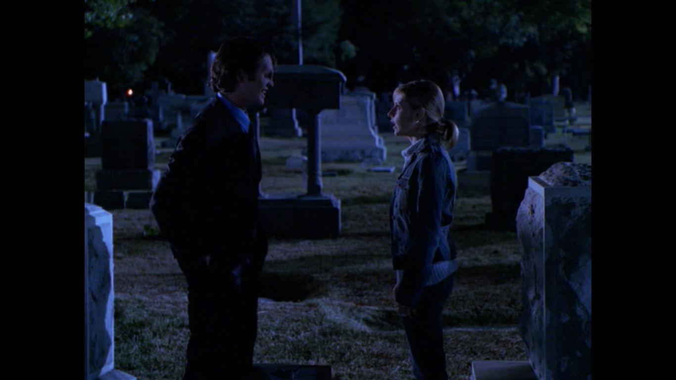 Sarah Michelle Gellar and Jonathan M. Woodward in Buffy the Vampire Slayer (1996)