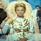 Lavrentis Dianellos and Aliki Vougiouklaki in I kori tou iliou (1971)