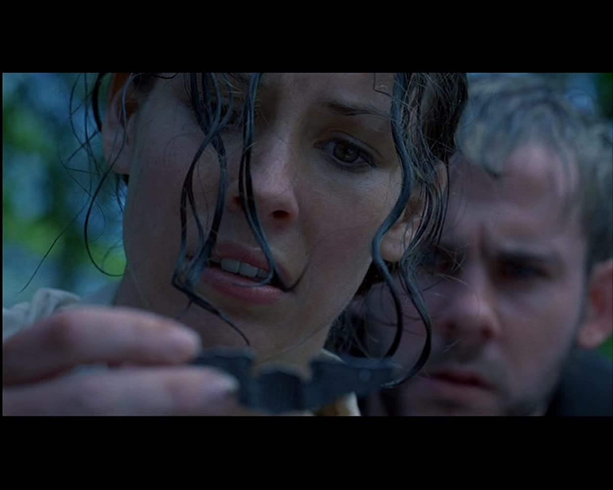 Dominic Monaghan and Evangeline Lilly in Lost (2004)