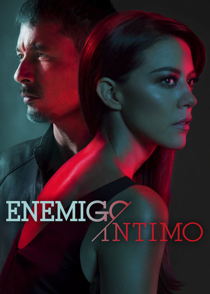 Raúl Méndez and Fernanda Castillo in Enemigo Íntimo (2018)