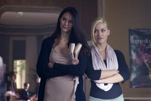 Katy Louise Saunders and Alice Bellagamba in Non smettere di sognare (2011)