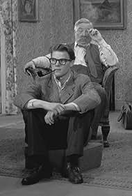 Frits Helmuth and Henry Nielsen in En skefuld katharsis (1955)