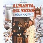 Hülya Koçyigit and Rahmi Saltuk in Almanya aci vatan (1979)