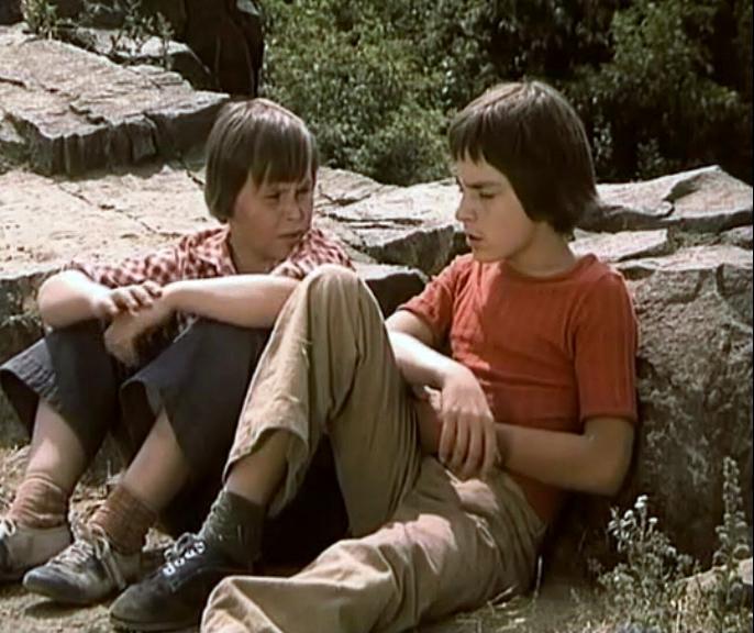 Lubor Cajka and Matej Landl in Spadla z oblakov (1978)