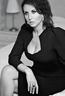 Alika Smekhova Picture