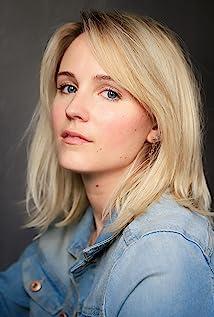 Sara Fletcher Picture