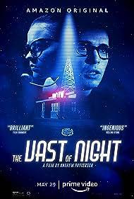 Sierra McCormick and Jake Horowitz in The Vast of Night (2019)