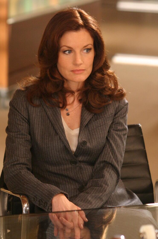 Laura Leighton in Eyes (2005)