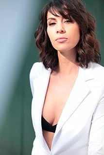 Alexandra Manea Picture