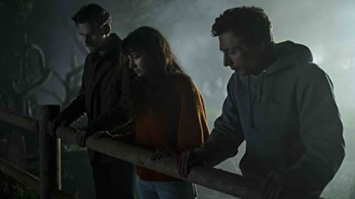 Two couples on an oceanside getaway grow suspicious that the host of their seemingly perfect rental house may be spying on them. Before long, what should have been a celebratory weekend trip turns into something far more sinister, as well-kept secrets are exposed and the four old friends come to see each other in a whole new light.