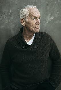 Lance Henriksen Picture