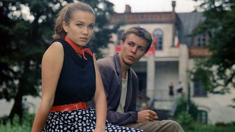Marek Bukowski and Joanna Trzepiecinska in Nad rzeka, której nie ma (1991)