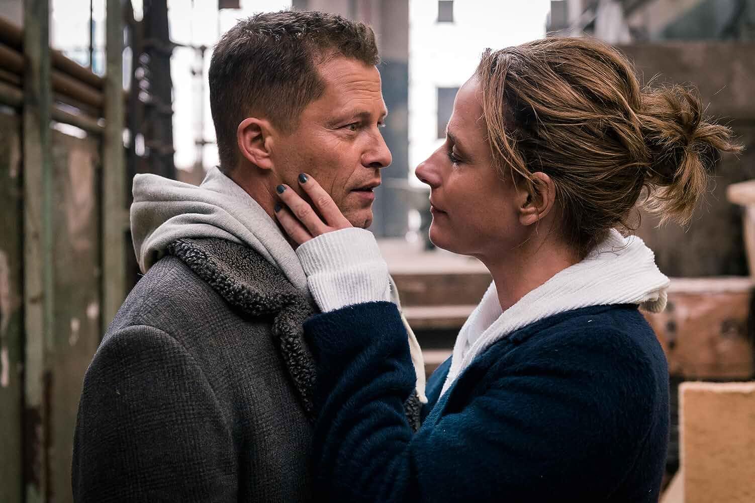 Til Schweiger and Claudia Michelsen in Vier gegen die Bank (2016)
