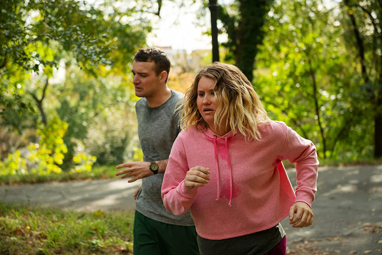 Jillian Bell and Micah Stock in Brittany Runs a Marathon (2019)