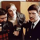 Jesper Christensen and Henning Palner in Pas på ryggen, professor! (1977)