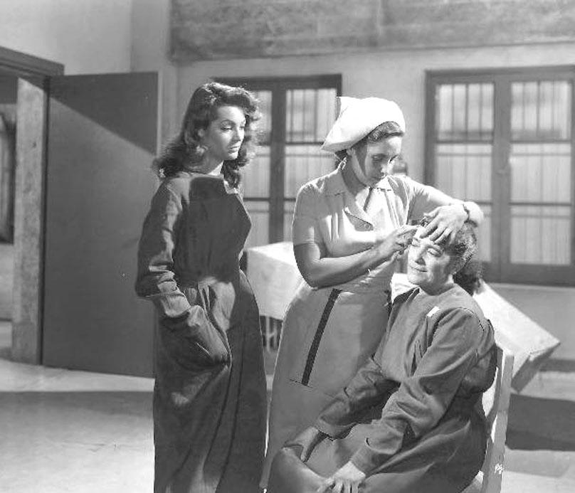 Eufrosina García, Carmen Manzano, and Sara Montiel in Cárcel de mujeres (1951)