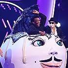 Roberto Blanco and Mirjam Weichselbraun in The Masked Singer Austria (2020)