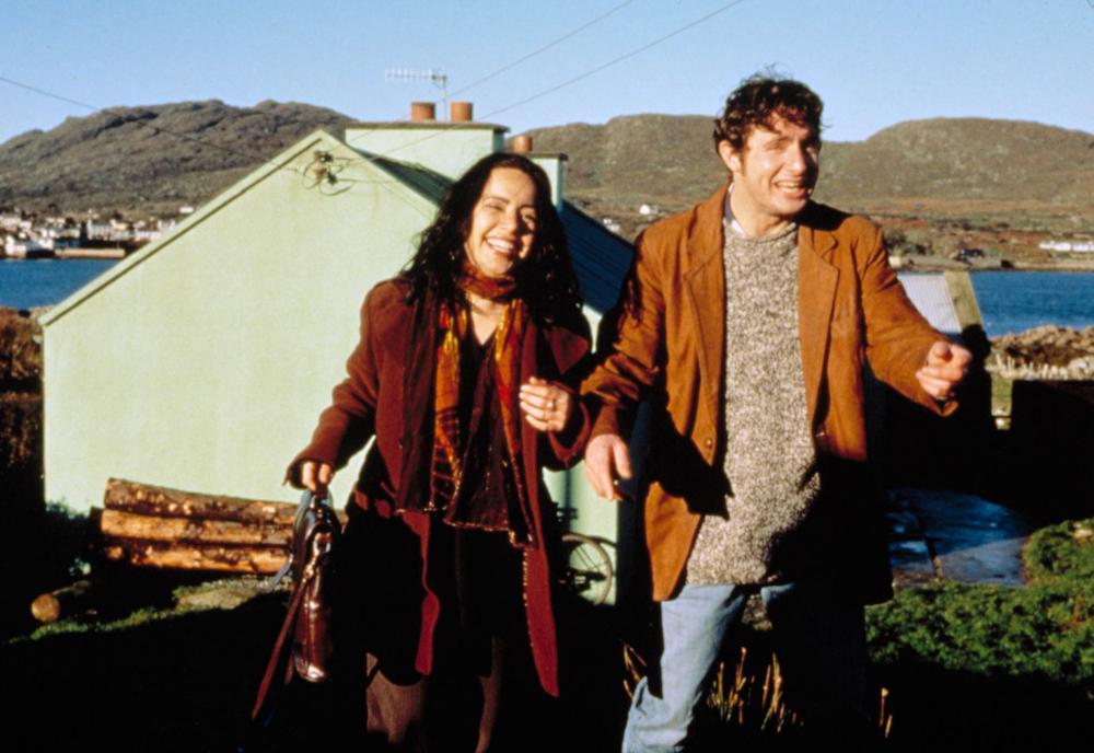 Janeane Garofalo and David O'Hara in The MatchMaker (1997)