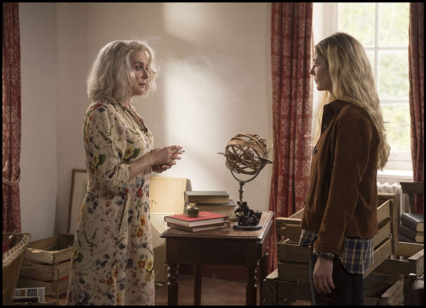 Catherine Deneuve and Chiara Mastroianni in La dernière folie de Claire Darling (2018)