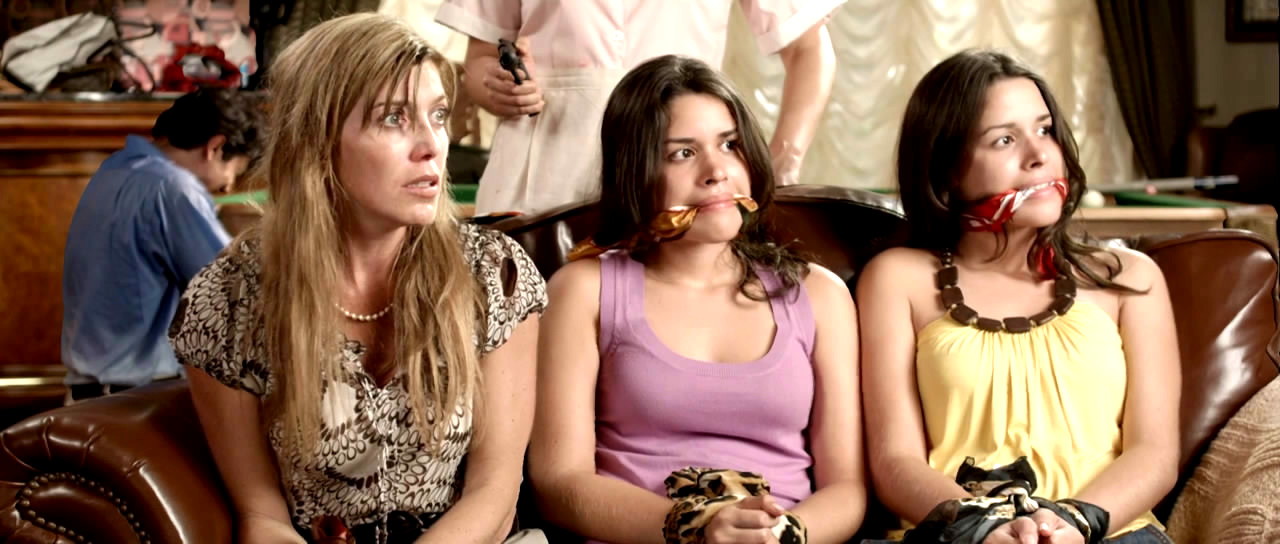 Isabella Santodomingo, Maria Alejandra Palacios, and Maria Cristina Palacios in Chance (2009)