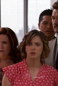 Donna Lynne Champlin, Pete Gardner, Rachel Bloom, and Vincent Rodriguez III in Crazy Ex-Girlfriend (2015)