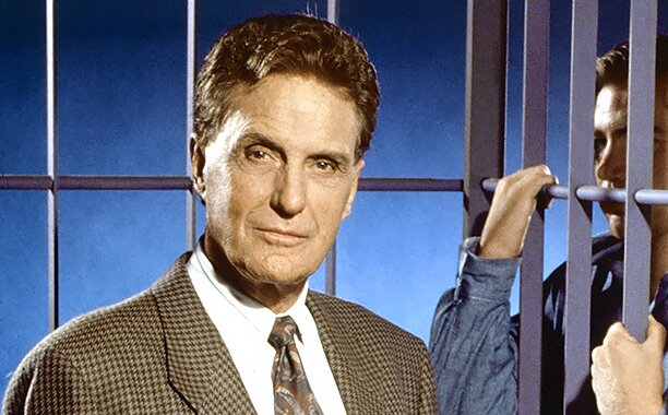 Robert Stack in Unsolved Mysteries (1987)