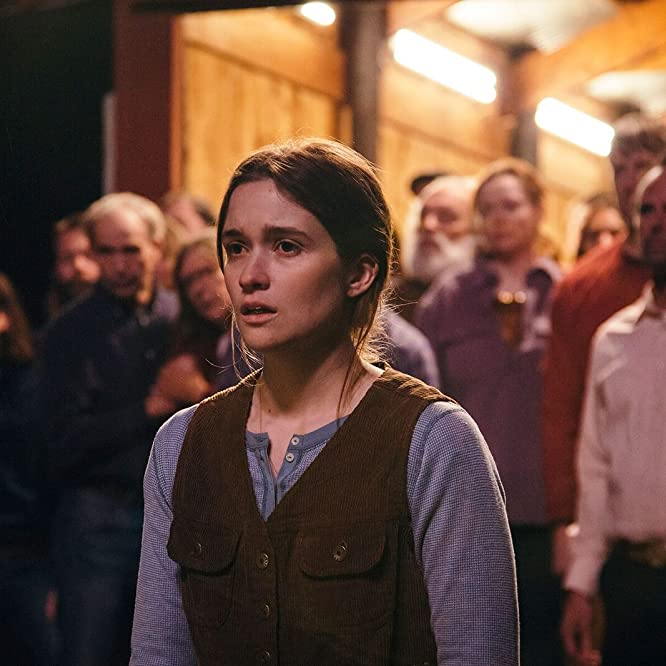 Alice Englert in Them That Follow (2019)