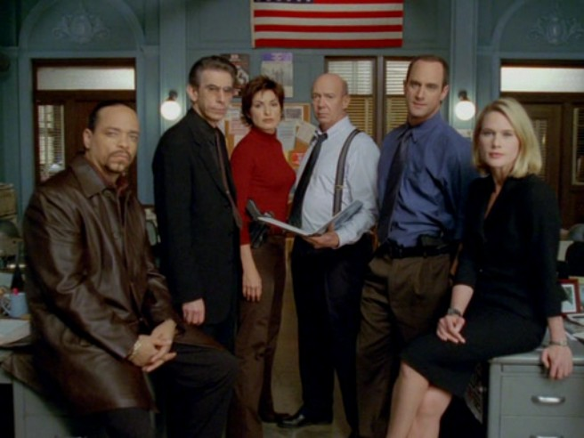 Ice-T, Richard Belzer, Mariska Hargitay, Christopher Meloni, Dann Florek, and Stephanie March in Law & Order: Special Victims Unit (1999)