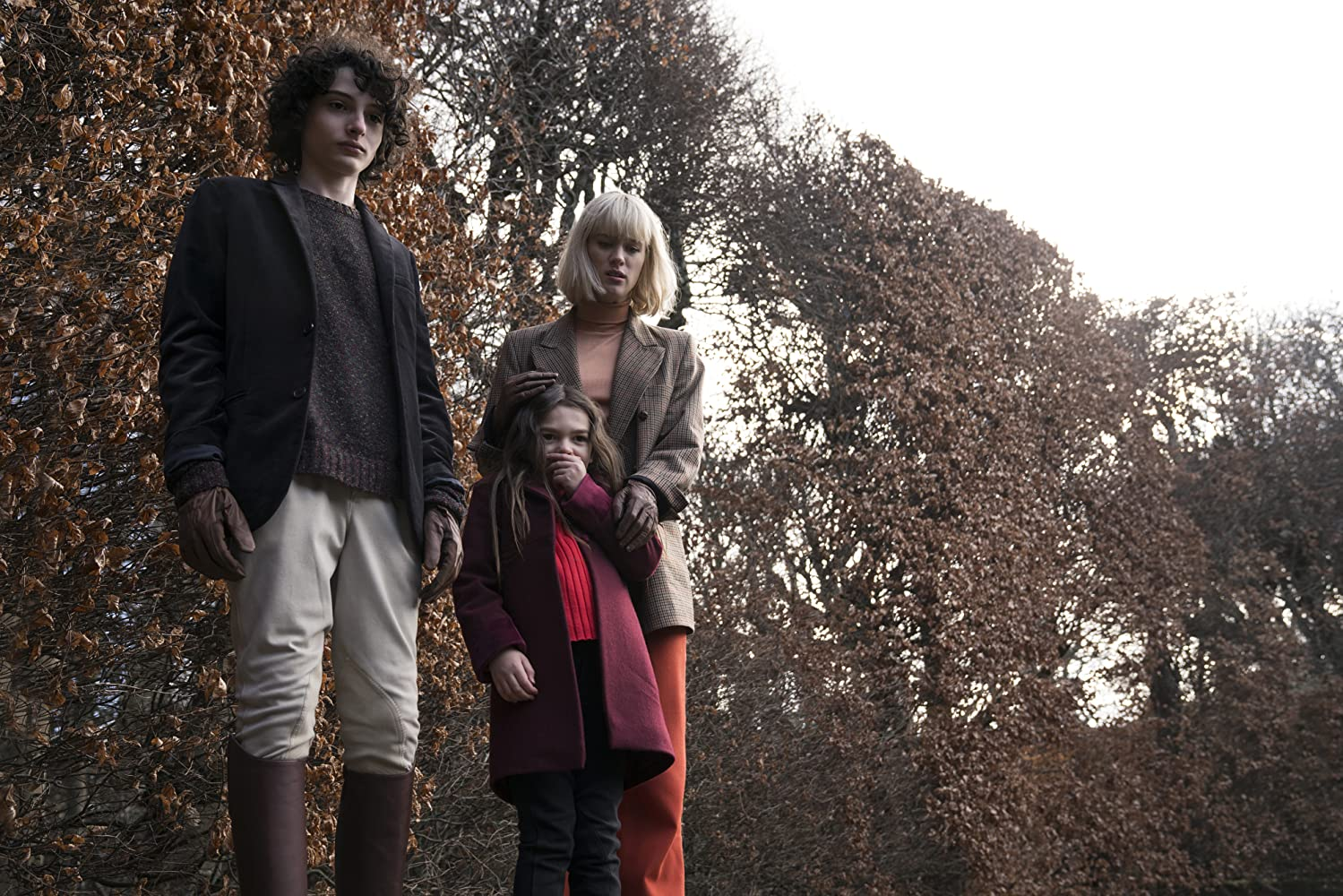 Mackenzie Davis, Finn Wolfhard, and Brooklynn Prince in The Turning (2020)