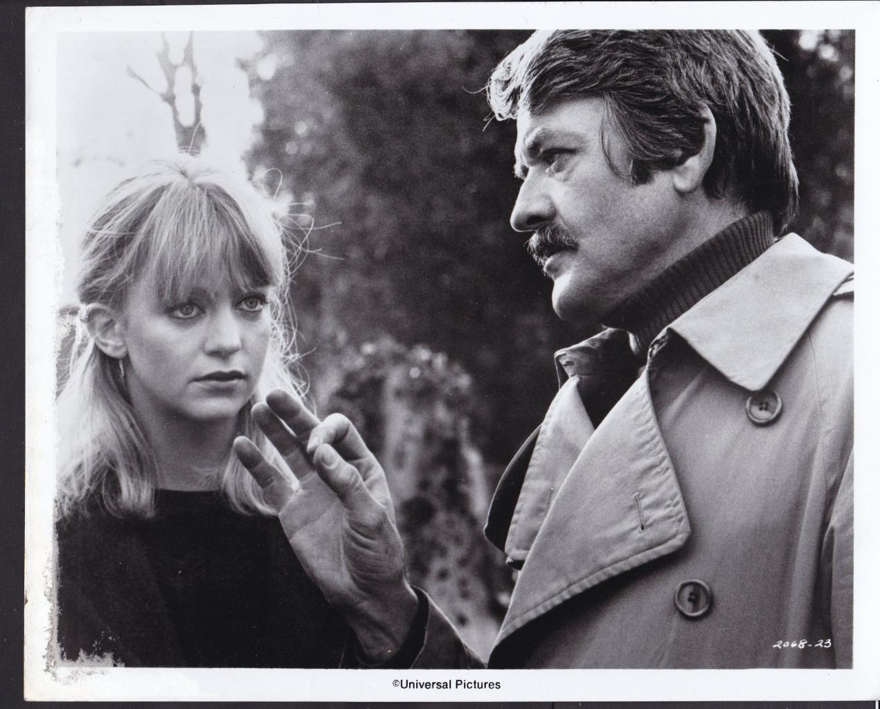 Goldie Hawn and Hal Holbrook in The Girl from Petrovka (1974)