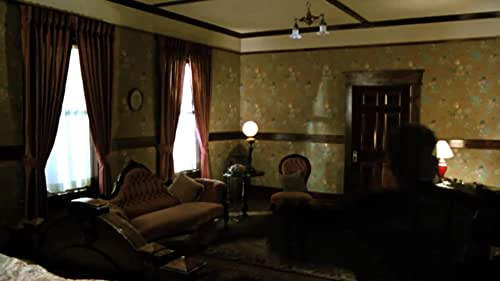 A troubled writer moves into a haunted house after inheriting it from his aunt.