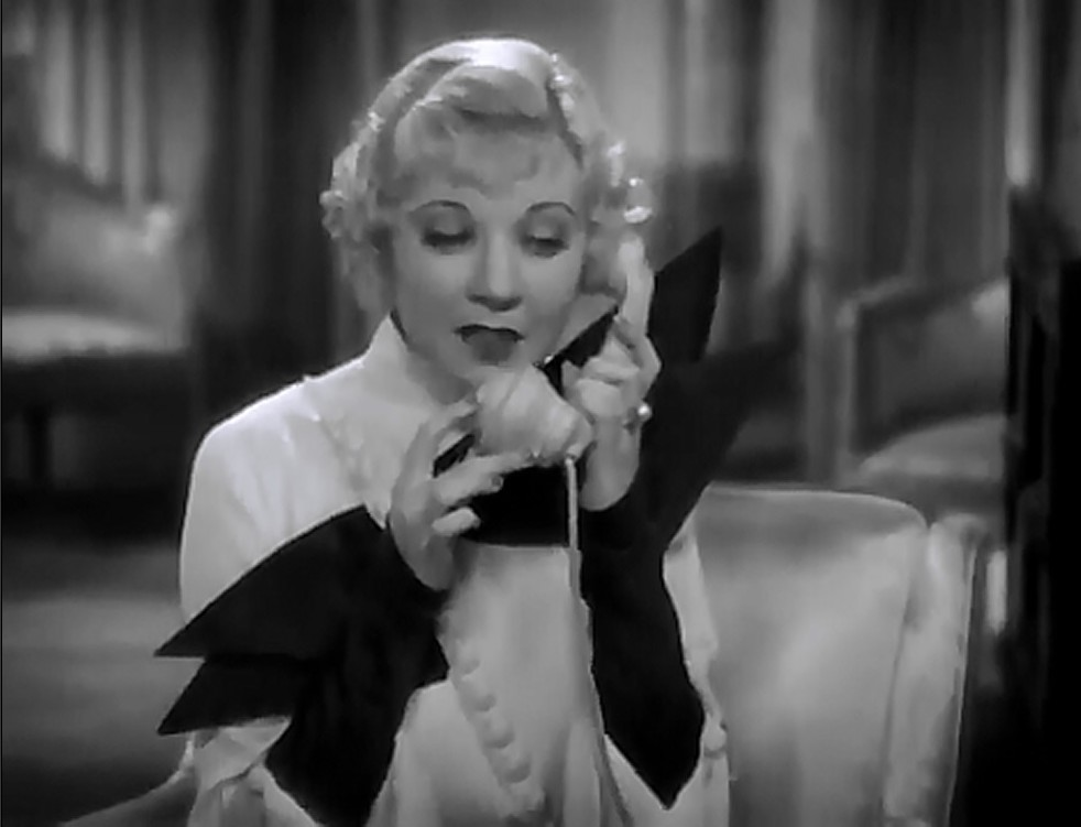 Una Merkel in Evelyn Prentice (1934)