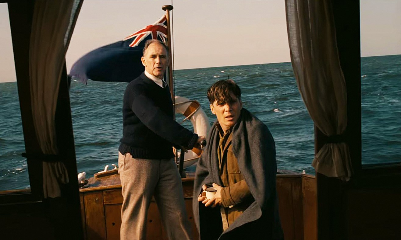 Cillian Murphy and Mark Rylance in Dunkirk (2017)