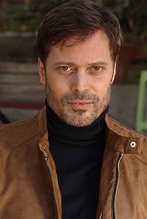 Luis Fernandez Picture