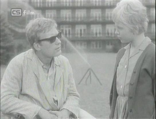 Radka Dulíková and Vít Olmer in Vysoká zed (1964)