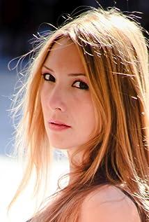 Carolina Bassecourt Picture