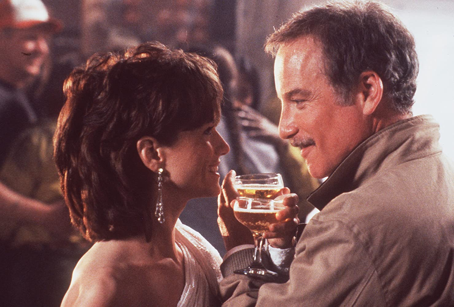 Richard Dreyfuss and Holly Hunter in Always (1989)