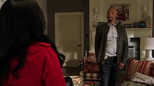Lethal Weapon: Riana & RJ Wonder Why Roger Is Sleeping On The Couch