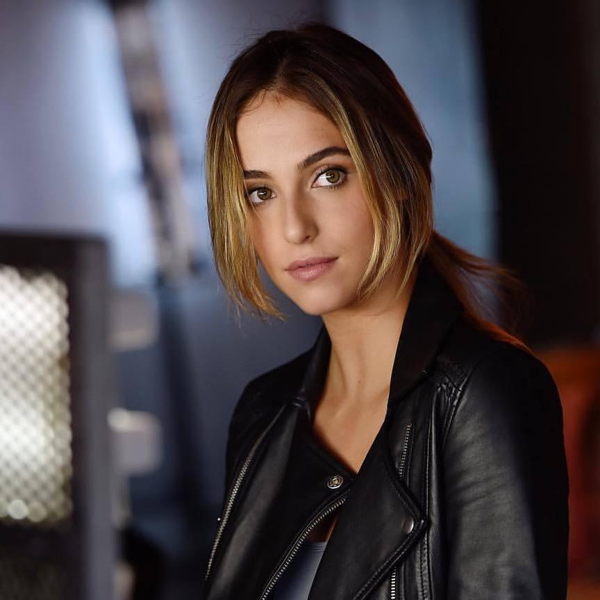 Lorynn York (Lauren Swickard) 3