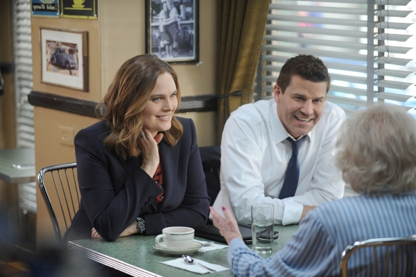 David Boreanaz, Emily Deschanel, and Betty White in Bones (2005)
