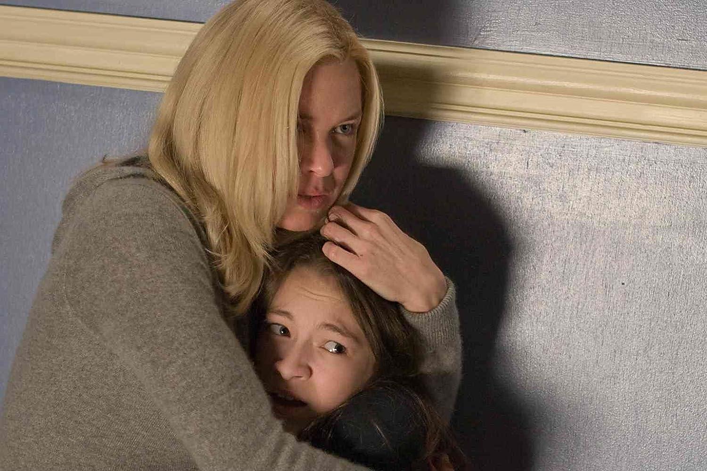 Renée Zellweger and Jodelle Ferland in Case 39 (2009)