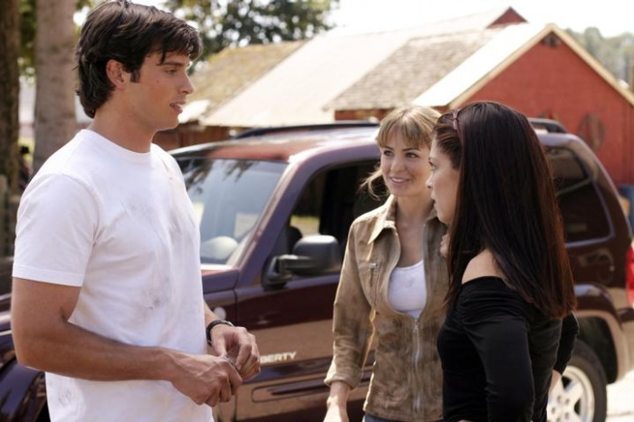 Kristin Kreuk, Tom Welling, and Erica Durance in Smallville (2001)
