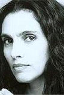 Etti Ankri Picture