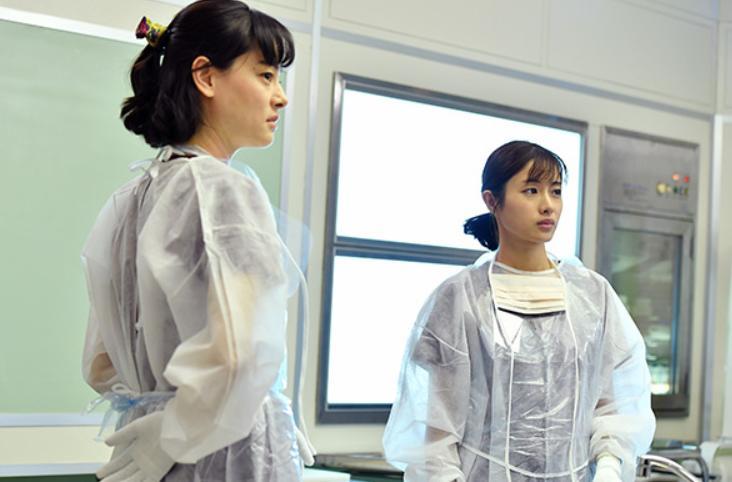 Mikako Ichikawa and Satomi Ishihara in Unnatural (2018)