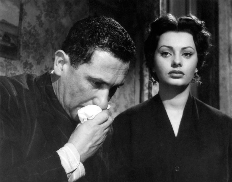 Sophia Loren in L'oro di Napoli (1954)