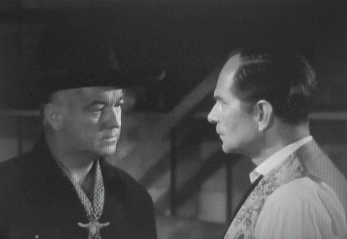 William Boyd and Earle Hodgins in Silent Conflict (1948)