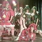Lauren Holly, Trish Adams, Lesley Ballantyne, Stephanie Belding, Deborah Overes, and Catriona Ferguson in The Town Christmas Forgot (2010)