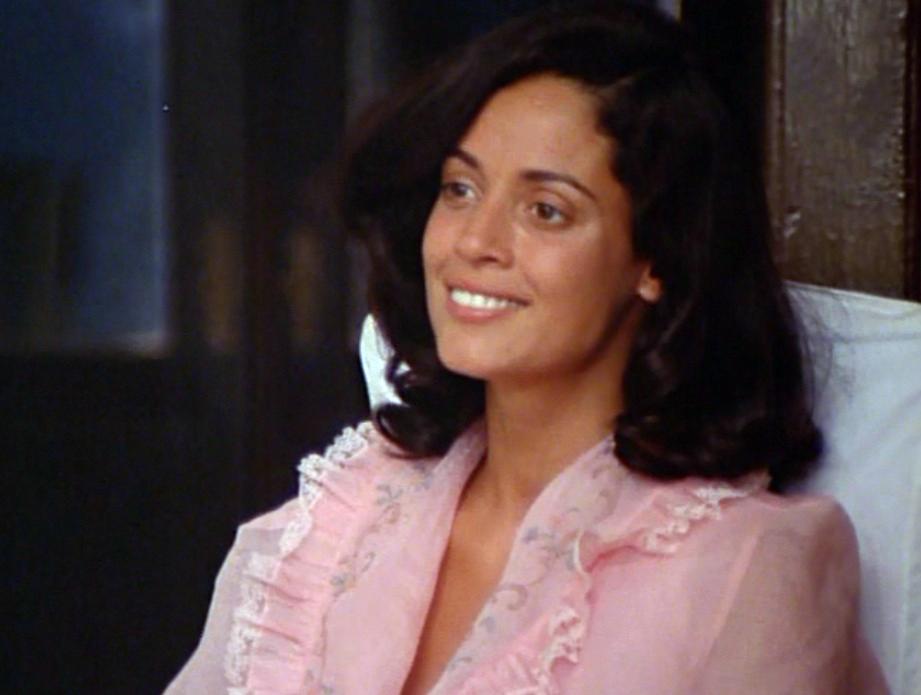 Sônia Braga in Dona Flor e Seus Dois Maridos (1976)